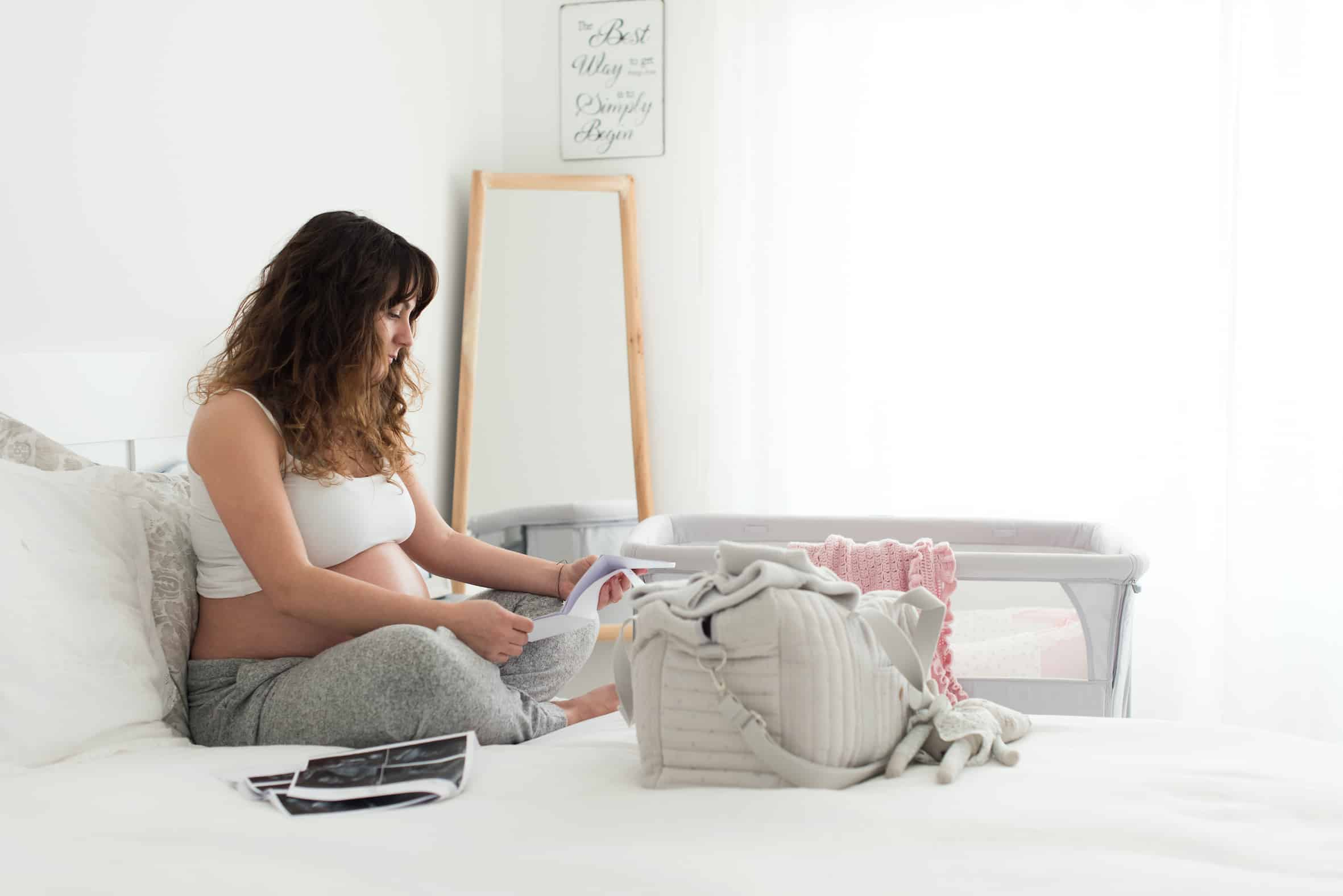 what to pack in hospital bag for a baby